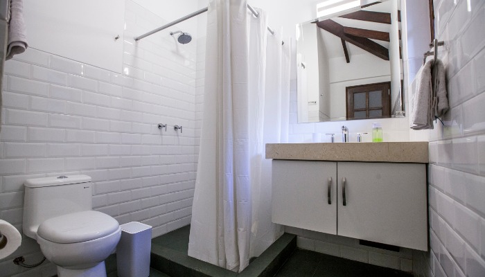 baño – amplio – limpieza - valle - cusco - hotel  - lodge - hostel - actividades - sierra - peru - cuarto - valle - cusco - hotel - cama -  noche - lodge - hostel - actividades - sierra - peru -  bedroom – sacred valley - sacred valley of the Incas - accommodations - hotels in the valley - hostel - boutique hotel - king beds - queen beds - comfortable beds - clean bathroom - personalized service- nature - landscapes - getaway